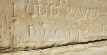 Lord Byrons handtekening op Kaap Sounion