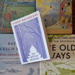 Robert Macfarlane en Patrick Leigh Fermor delen onbaatzuchtig cadeautjes uit