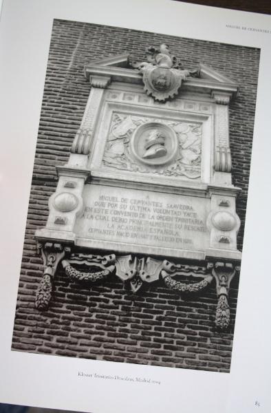 Gedenksteen Cervantes, uit Tumbas van Cees Nooteboom en Simone Sassen